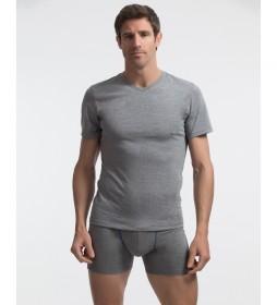 Camiseta interior gris con tecnología termorreguladora X-Temp