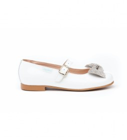 Zapato de piel charol blanco