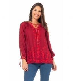 Blusa Lisa Bordada rojo