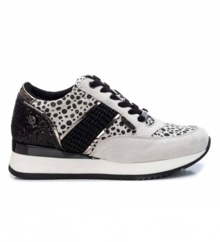 Buy Xti Sneakers 043096 grey