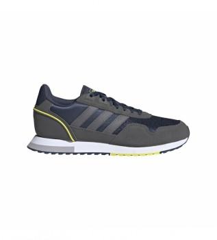 Comprare adidas Running 8K 2020 sneakers in pelle grigie