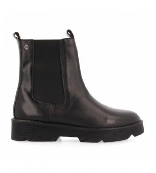 Buy Gioseppo Kikuyu black leather boots