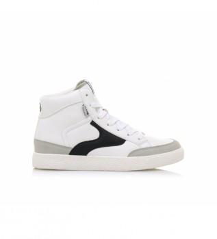 Buy Mustang Sneakers 60168 white