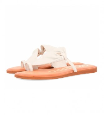 Gioseppo Keen white leather sandals