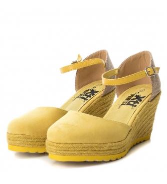 Xti Zapato 048941 amarillo -Altura cuña: 7.5 cm-