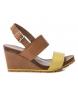 Sandalia de piel 066736 camel, amarillo -Altura cuña: 11cm-