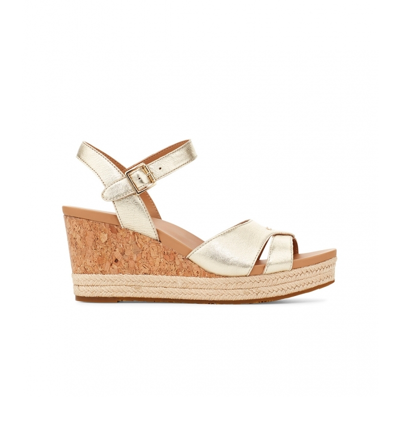 UGG Cloverdale gold leather sandals -Height of the wedge: 7cm