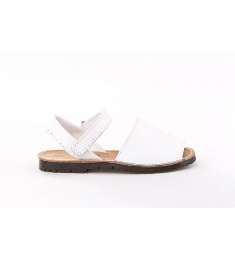 Comprar Angelitos Avarcas in white velcro leather