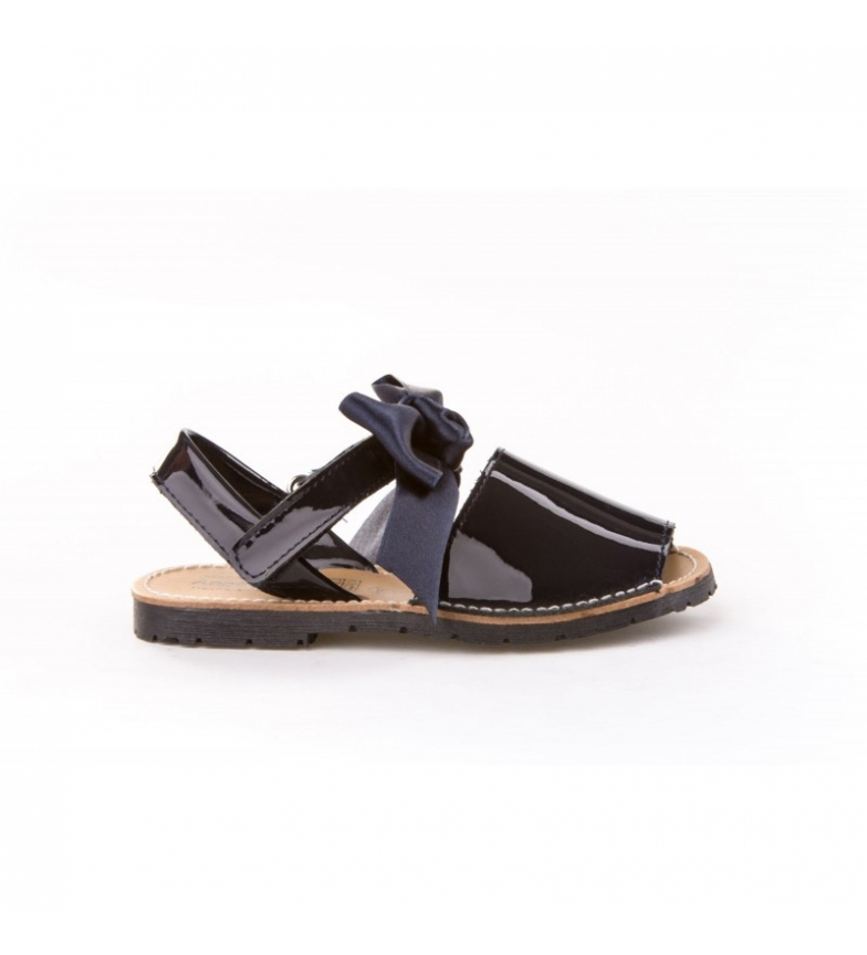 Comprar Angelitos Avarcas of patent leather marine ribbon