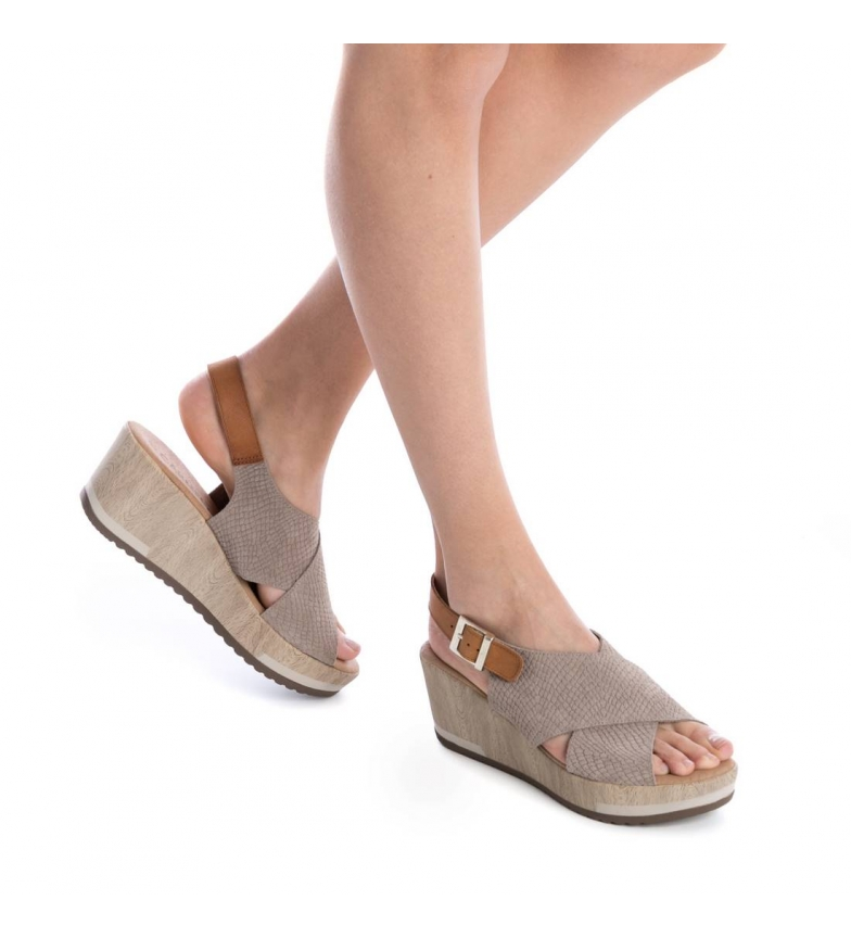 7cm Sandalias piel Carmela de cuña taupe Altura YFz6q