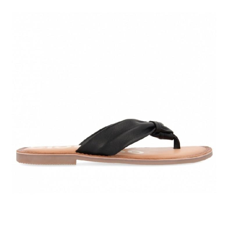 Gioseppo Minetto black leather sandals