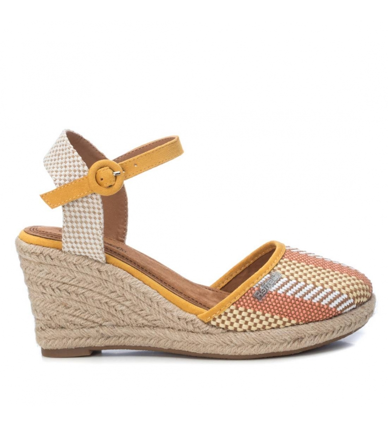 Comprar Refresh Sandals 069566 taupe - wedge height: 8cm