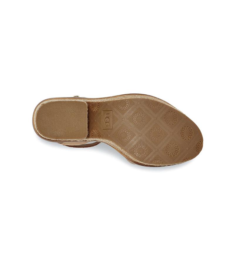UGG Sandales Laynce en cuir beige - Hauteur du talon : 10,16 cm