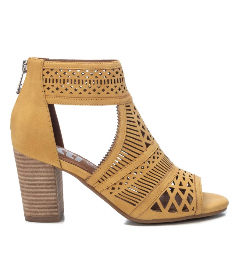 Comprar Xti Ankle boots 042333 yellow -Height heel 8cm