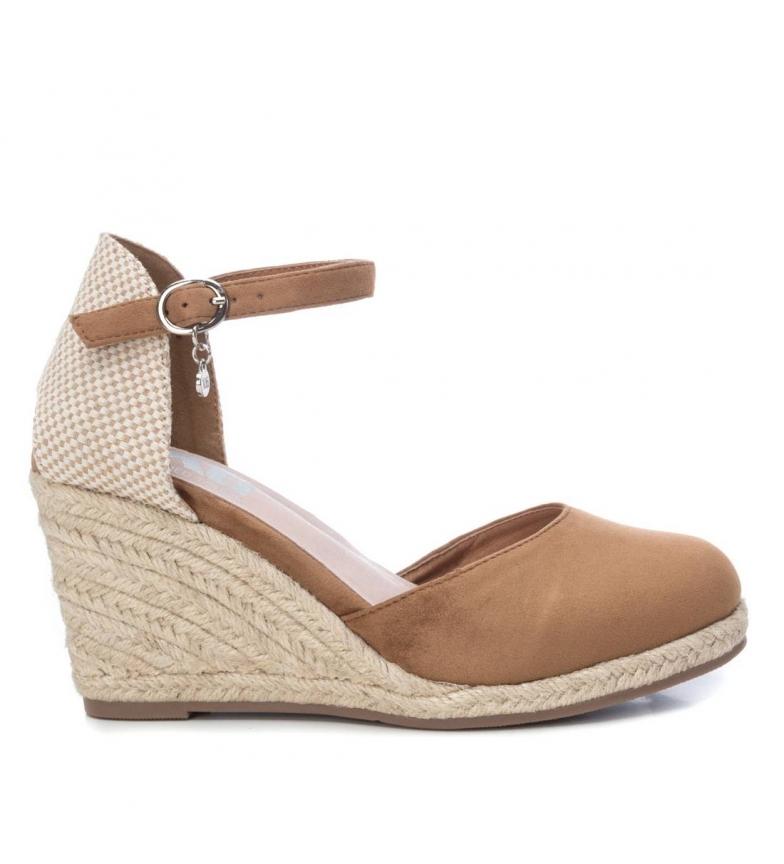 Comprar Xti Sandals 049730 camel - wedge height: 9cm