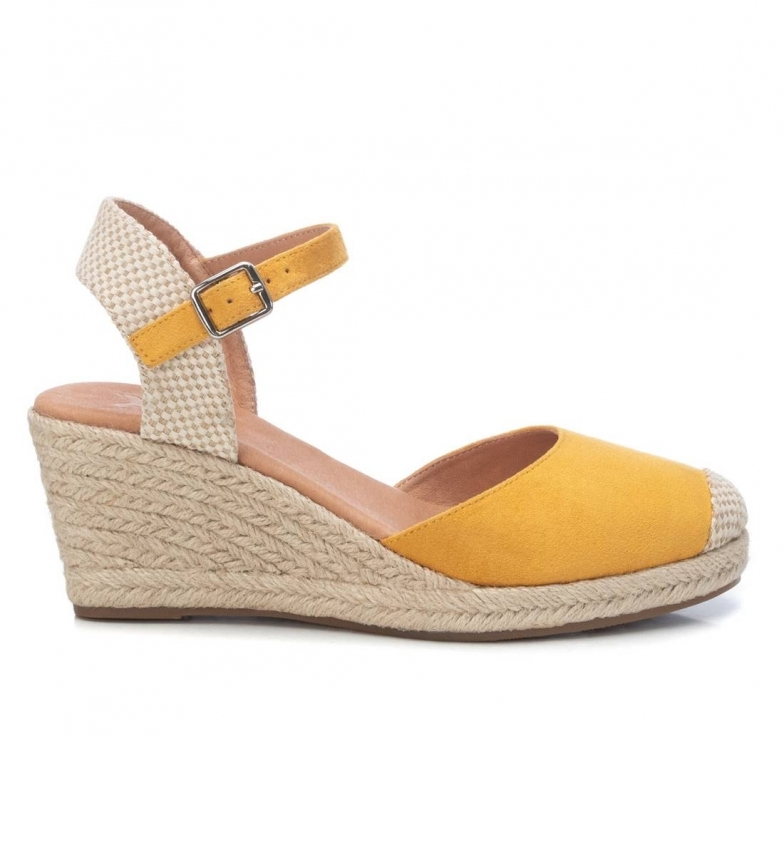 Comprar Xti Sandali 042834 gialli -Altezza zeppa: 7cm-
