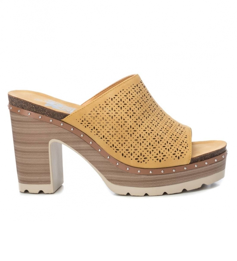 Comprar Xti Sandals 034241 yellow -Heel height: 10cm